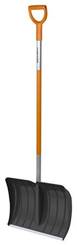 """Schneeräumer """"Snow  Xpert""""  Artikel 1003469 Breite 52 cm Länge 1,56 Meter, mit Blatt aus Kunststoff und Stiel aus Aluminium von Fiskars"""
