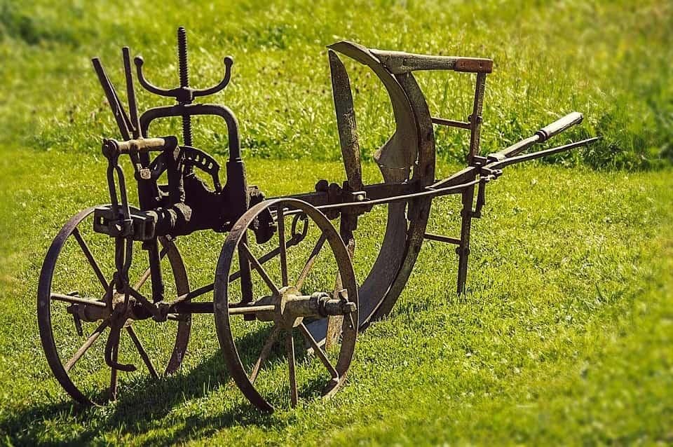 Motorhacke Mit Pflug Welche Gartenfrase Hat Die Notige Arbeitstiefe