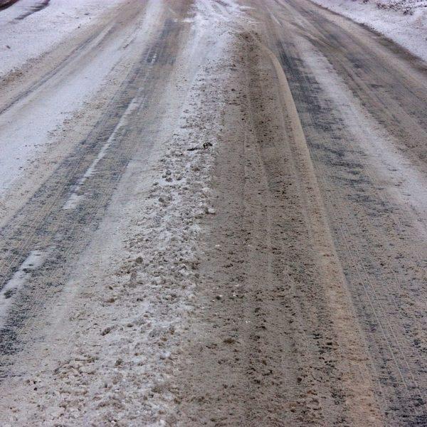 Gehweg Straße Schnee Eis Glätte Streusalz
